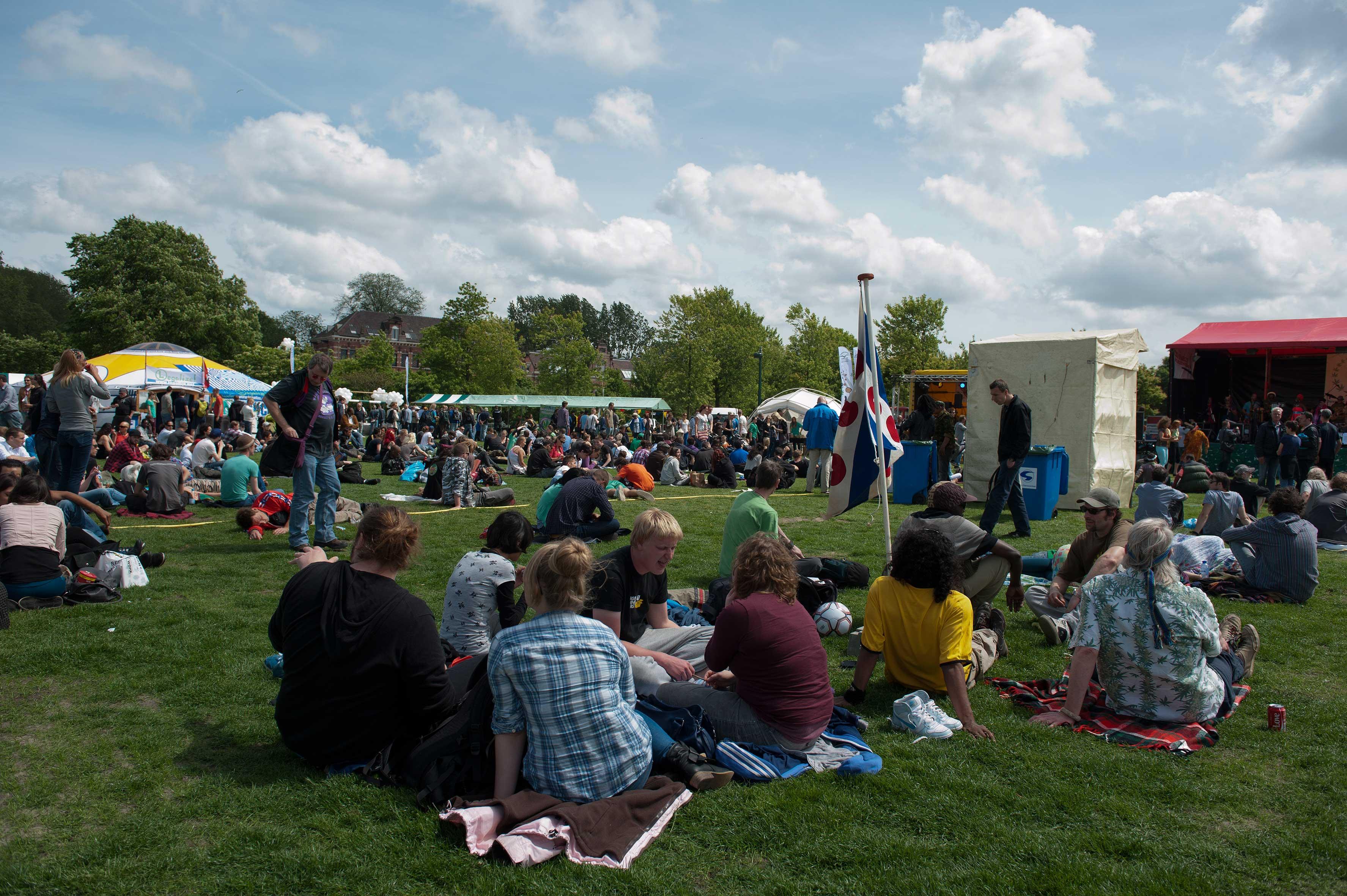 Gezellige drukte op Cannabis Bevrijdingsdag in het Westerpark... Helaas voltooid verleden tijd.