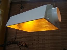 Een luchtgekoelde lamp kan uitkomst bieden in de zomer
