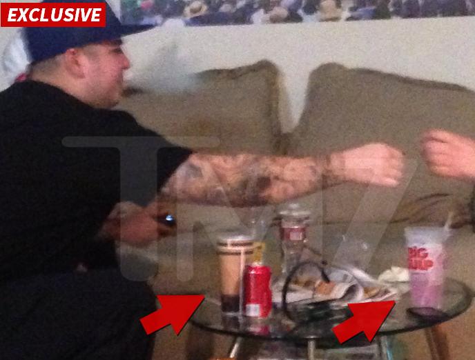 De foto op website TMZ die zou moeten bewijzen dat Rob Kardashian ernstige drugsproblemen heeft...