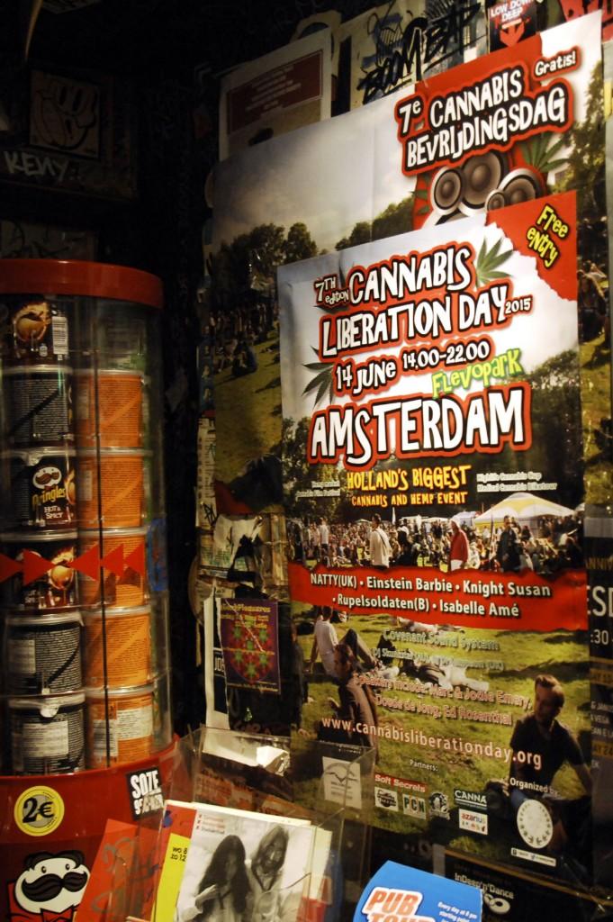 DE CBD-poster in coffeeshop Hill Street Blues in Amsterdam