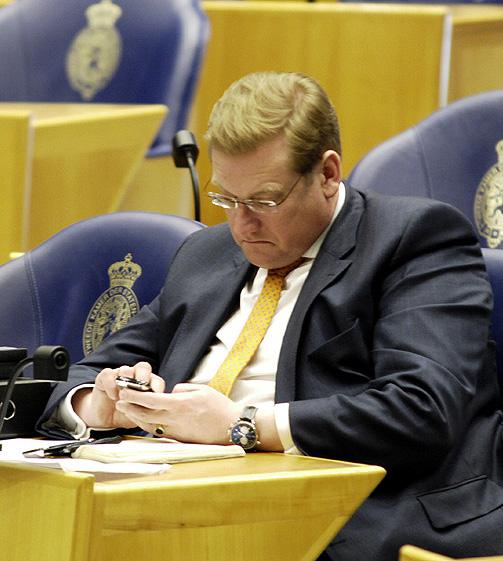 Minister van Justitie Ard van der Steur (VVD) zet de heksenjacht op alles wat met hennep van doen heeft vrolijk voort... [foto: Derrick Bergman]