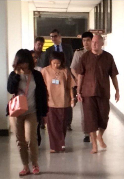 Johan en Tukta in de gevangenis in Bangkok