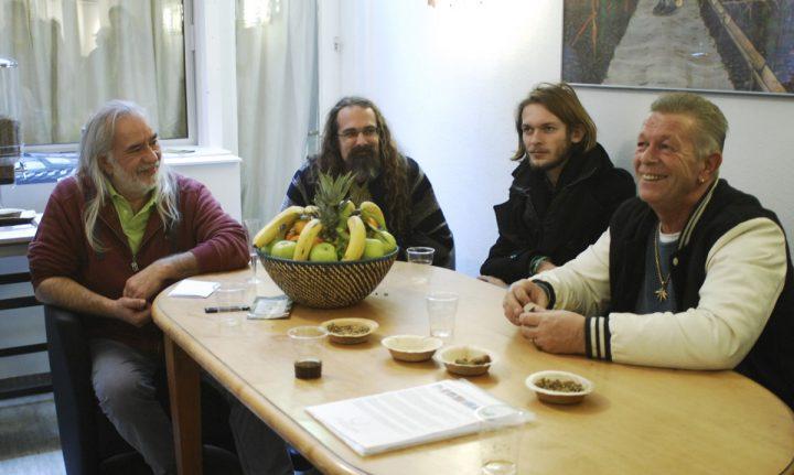 Wernard_VOC-activisten_en-Nol-va-Schaik-Hemp-Dispensary-03-01-2016-foto-db_2573