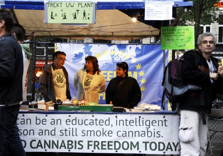 Joep_Oomen_TUP-stand_Cannabis_Liberation_Day_Antwerp_9-5-2015_foto_db_3756