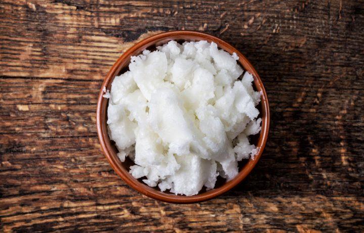 Kokosolie is een uitstekend oplosmiddel voor cannabinoïden. Foto: MaraZe, Shutterstock.com