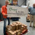Coffeeshop De Steeg doneert €25.000 aan Voedselbank Woerden