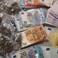 Wijkagent pakt vrouw met wietkwekerij, nepwapens én 36k cash